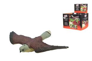 Декоративный ястреб для отпугивания птиц в саду